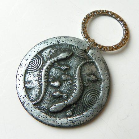 Přívěs na nákrčník ještěrky stříbrné