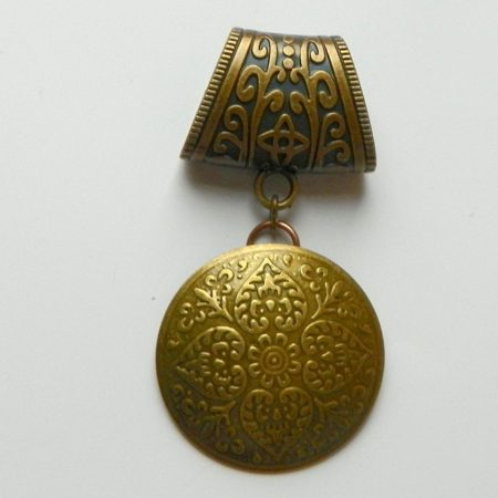 Přívěs na šálu medailon