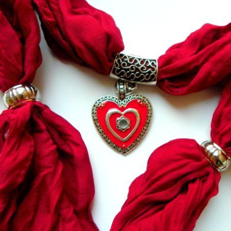 Šperkošála s červeným srdcem