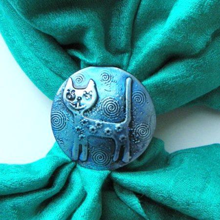 Zelenotyrkysová šála se sponou - kočka