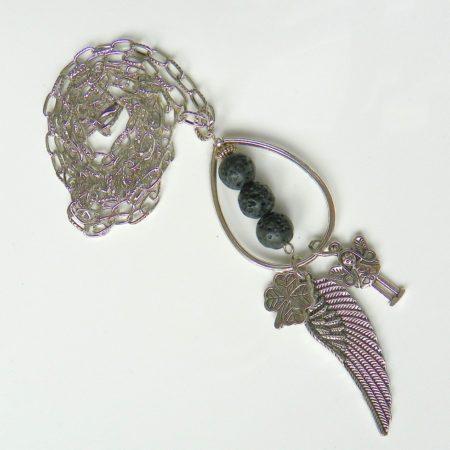 Náhrdelník křídlo a láva