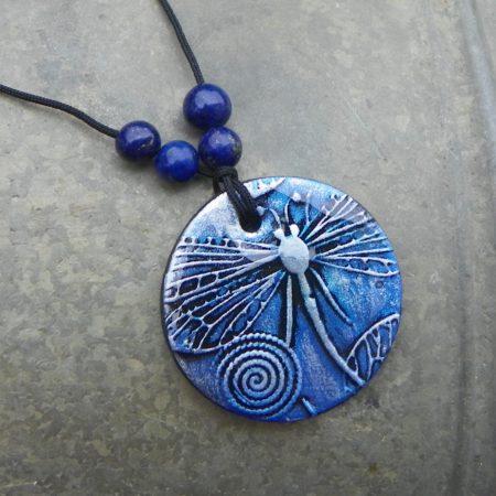 Přívěsek vážka s lapis lazuli