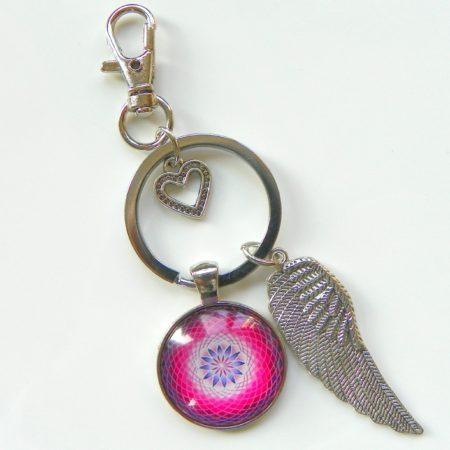 Přívěsek na klíče - růžová mandala a křídlo