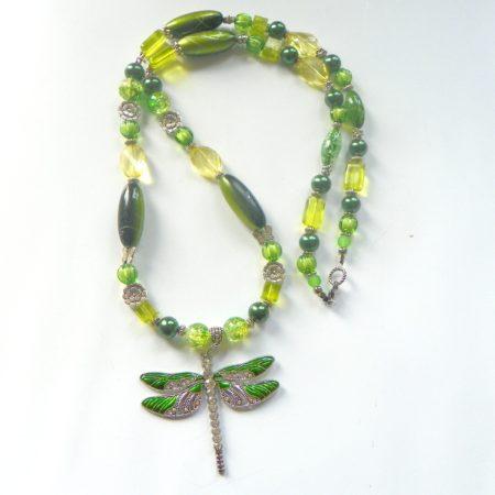 Korále zelené s vážkou