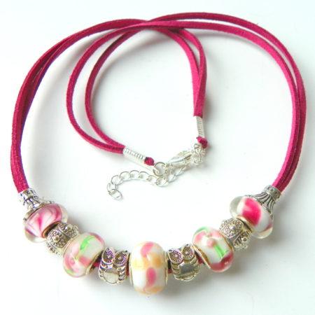 Náhrdelník korálkový růžový