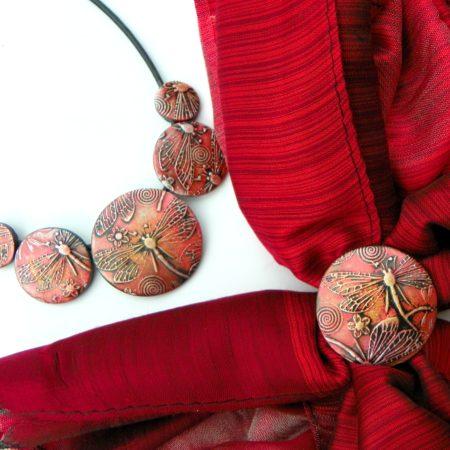 Elegantní šálový set - červená s vážkami
