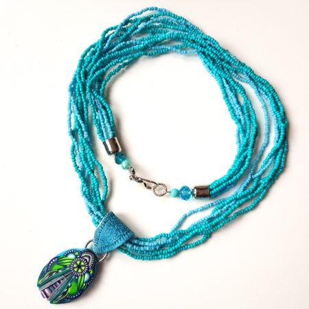 Tyrkysový náhrdelník s broukem