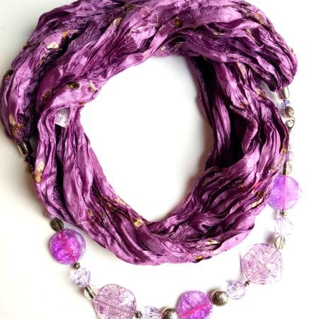 Šátkošperk fialka