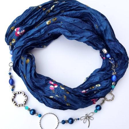 Šátkošperk modrý s vážkou